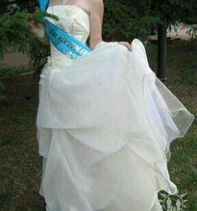 Выпускное, можно и как свадебное платье