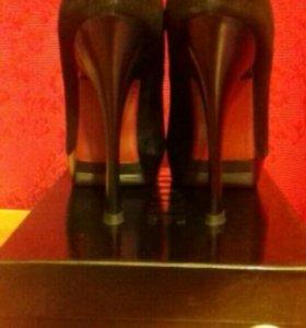Туфли замшевые NO ONE. Размер 35
