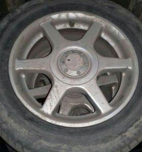 Продам диски на 14.100/5.с шинами на докамт зима.