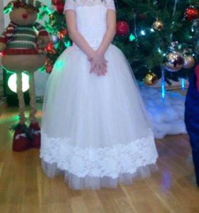 Продам Платье на выпускной)или просто праздник.
