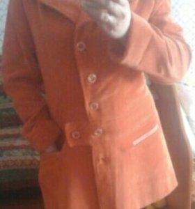 Вильветовое пальто