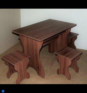 Стол и 4 табурета новые!