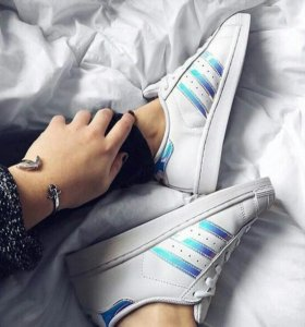 Кроссовки Adidas superstar с перламутром