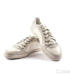 Кроссовки кожаные Disel 42-43 размер