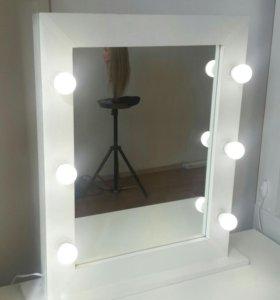 Гримерное зеркало с лампами