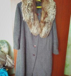 Пальто зимнее с чернобуркой