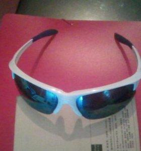 Солнцезащитные зеркальные очки