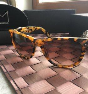 Солнцезащитные очки Consortium