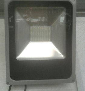 Прожектор светодиодный уличный IP65
