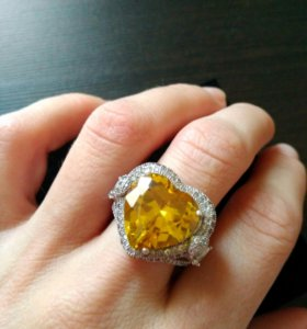 Кольцо Tiffany с желтым сердцем