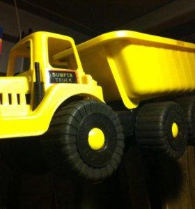 Детский грузовик.