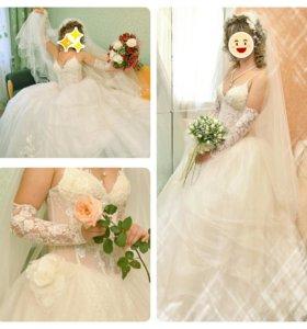 Платье свадебное р.44-48