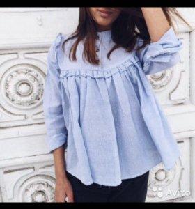 Голубая рубашка с рюшами