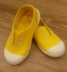 Детская обувь (кеды)