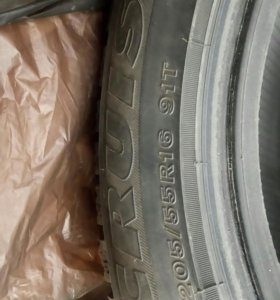 Bridgestone Ice cruiser 7000 205/55/R16