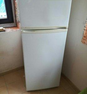 Мебель и холодильник.89688299919