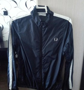 Ветровка fred perry.