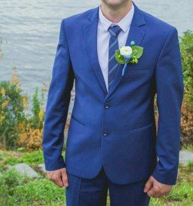 Новый костюм и галстук