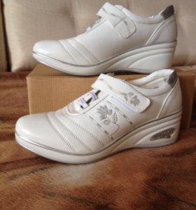 Новые ботинки