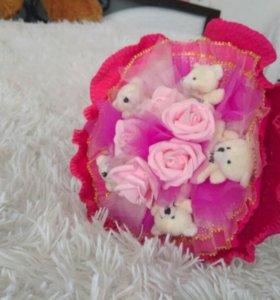 Букет из игрушек. Цветы из мишек