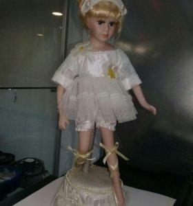 Кукла-балерина с мелодией