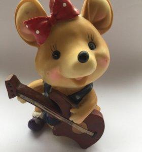 Копилка Мышка с гитарой