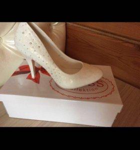 Туфли белые 👠