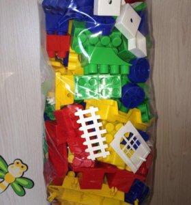 Детский конструктор новый в упаковке