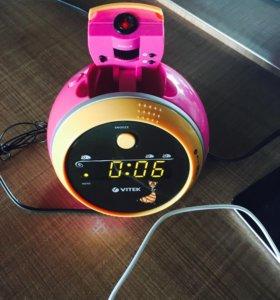 Радио/будильник/часы  с проекцией на стену ⏱