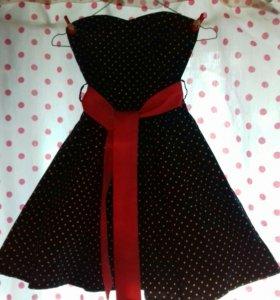Платье в стиле 60-х в горошек