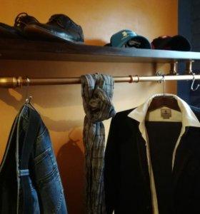 Полка с держателем для одежды