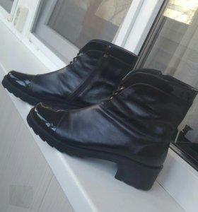 Ботинки кожаные новые 39-40 размер