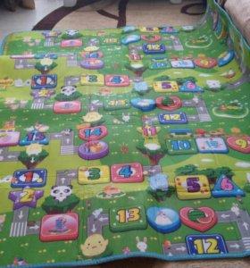 Игровой коврик 1,8 × 2,0 м.
