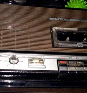 Магнитофон кассетный иж-302 раритетный,