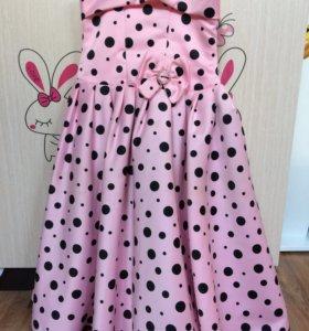 Платье праздничное на 7-8 лет