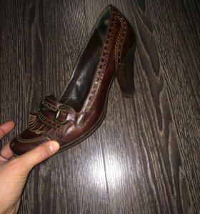 Туфли натуральная кожа 39