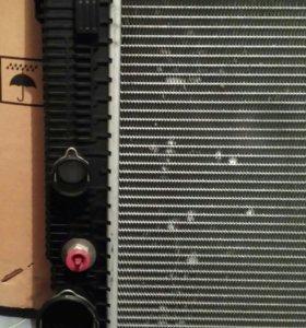 Радиатор охлаждения. Мерседес W212