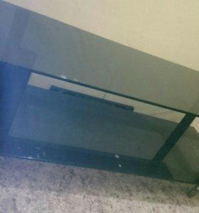 ОБМЕНЯЮ столик стекло черный цвет
