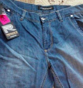 Продаю мужские джинсы новые