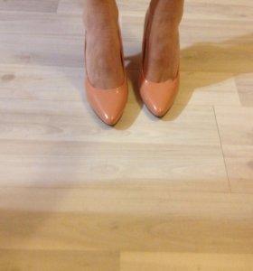 Туфли ( новые) 37 размер