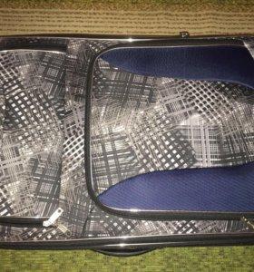 Красивый, удобный чемодан для двоих на отпуск