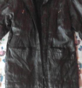 Модная Кожанная куртка размер48-50.