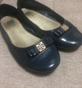 Туфли мягкие девочке 35 р-р