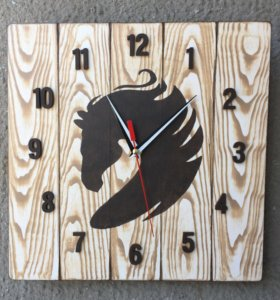Часы настенные Конь