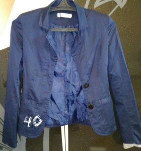 Блузки и пиджак