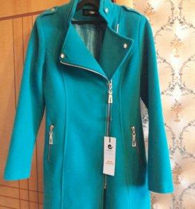 Новое стильное женское пальто
