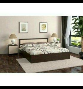 Кровать с тумбами и матрацом