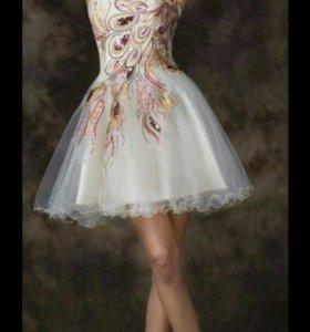 Новое эффектное платье на праздник