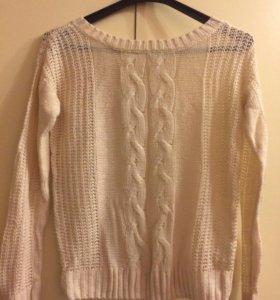 Белый легкий свитер