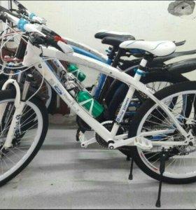 Велосипед BMW X1 на спицах. Белый